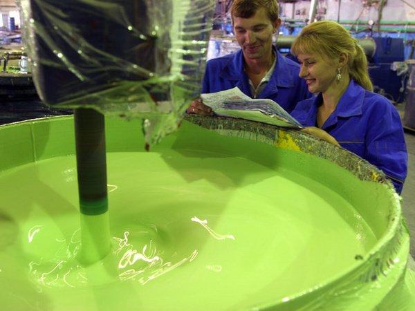 телефоны, завод лакокрасочных изделий выпускает краску в упаковках укусов