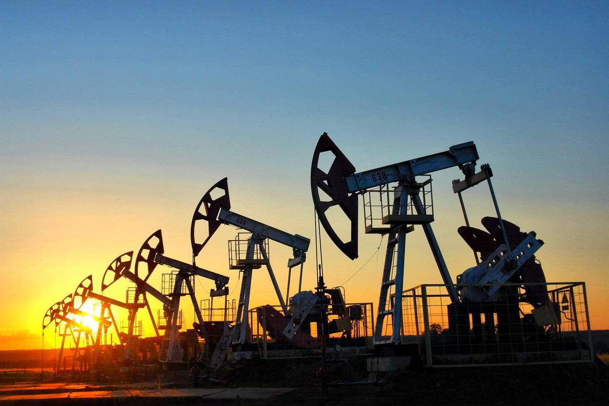 Сырье нефтехимической промышленности