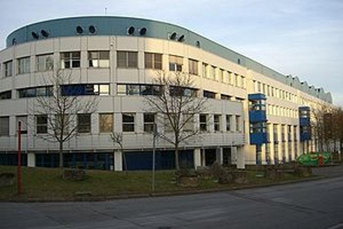 Институт новых материалов в Лейбнице разработал стекловидные покрытия для автомобилей